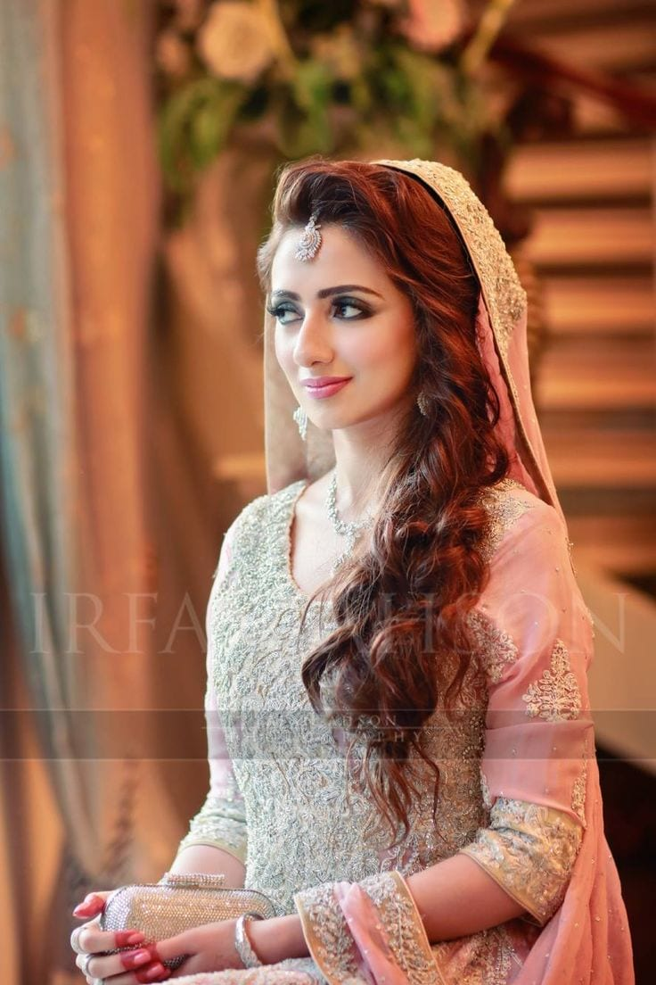 25 Easy And Gorgeous Hairstyles For Walima Function