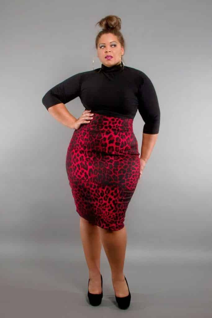 knee3-683x1024 20 Stunning Skirt Outfits Combinations for Plus Size Ladies