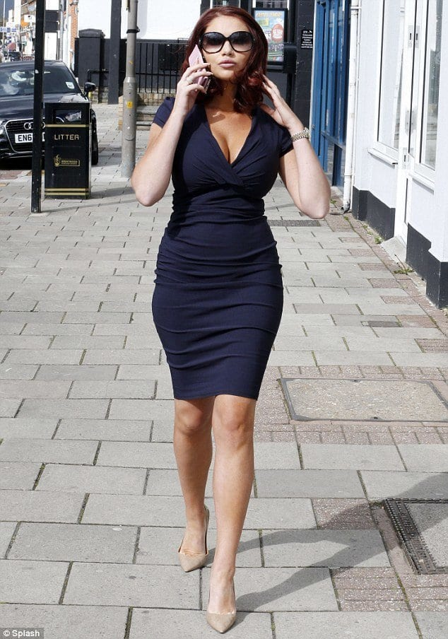 Dress styles for plump ladies