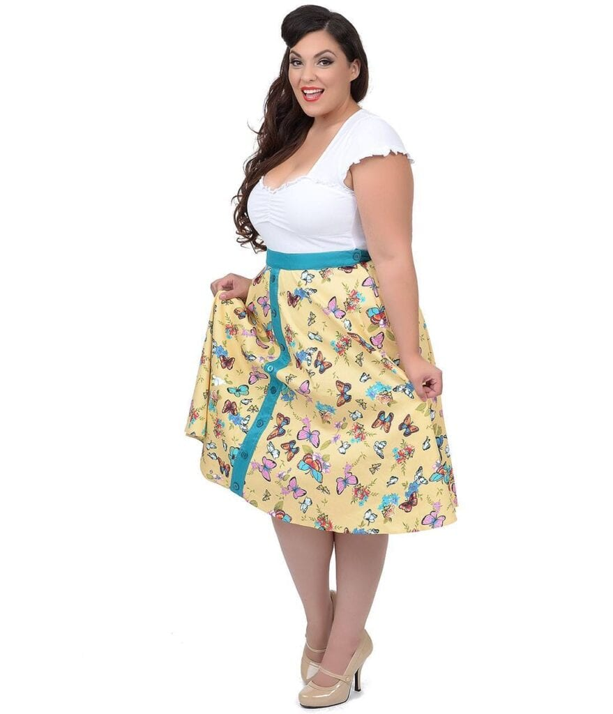 vin2-879x1024 20 Stunning Skirt Outfits Combinations for Plus Size Ladies