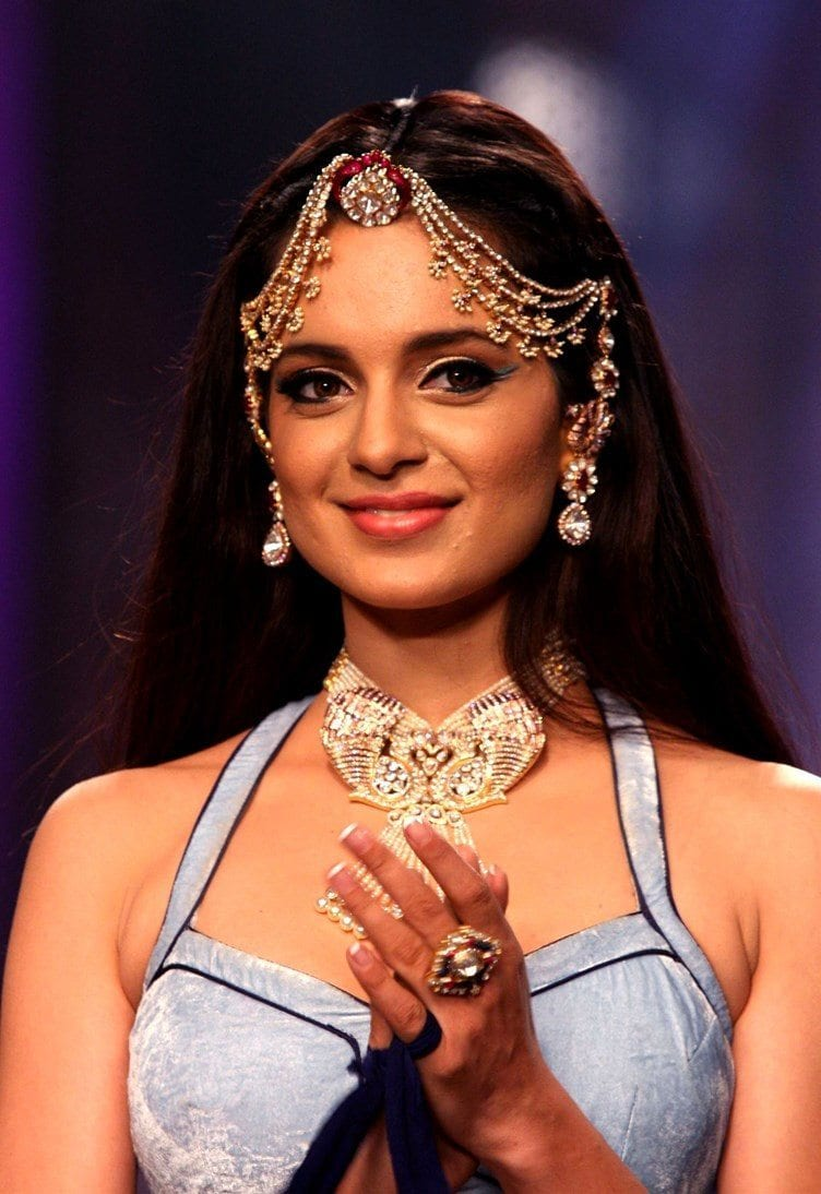 Kangana-Ranaut-1 How to Wear Maang Tikka in 15 Different Styles