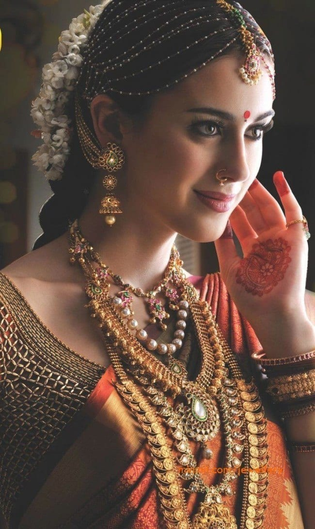 minmit-tikka-bridal-jewelry-e1390321054762 How to Wear Maang Tikka in 15 Different Styles