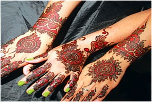 Arabic-style Eid Mehndi designs – 20 Cute Mehdni Designs For Hands This Year