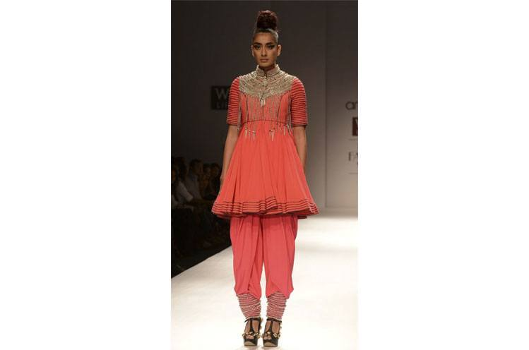 stylish dhoti pants outfit ideas (13)