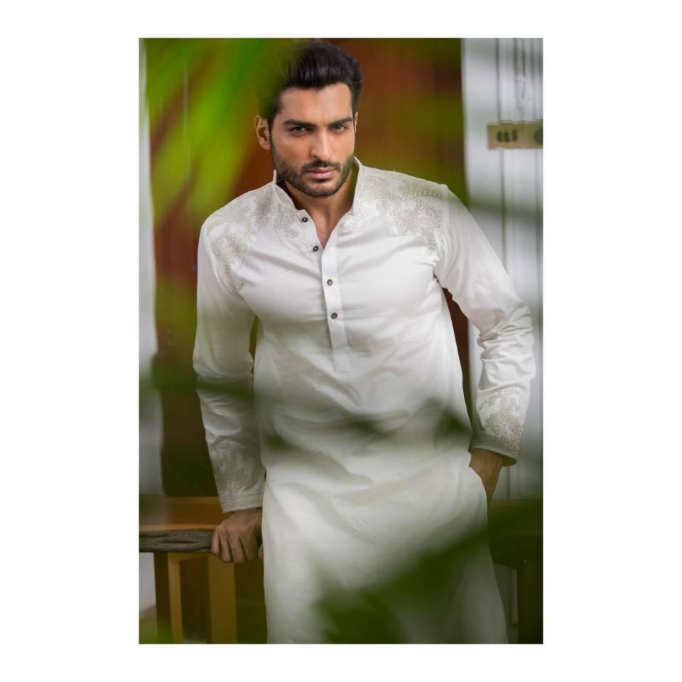 HSY-men-eid-kurtas 2018 Men Eid Dresses-15 Latest Eid Kurta Shalwar Designs Men