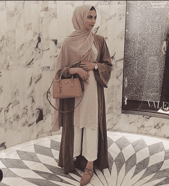 beautiful-hijab-dress-for-eid 15 Latest Eid Hijab Styles with Eid Dresses-2018 Eid Fashion
