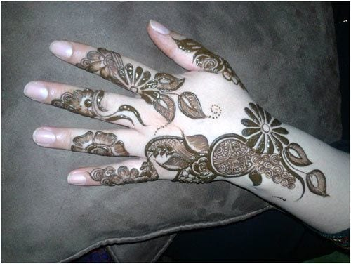 bel-boota Eid Mehndi designs – 20 Cute Mehdni Designs For Hands This Year