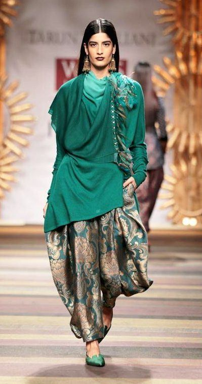 lfw77 Dhoti Pant Outfits-20 Chic Ways to Wear Dhoti Pants This Season