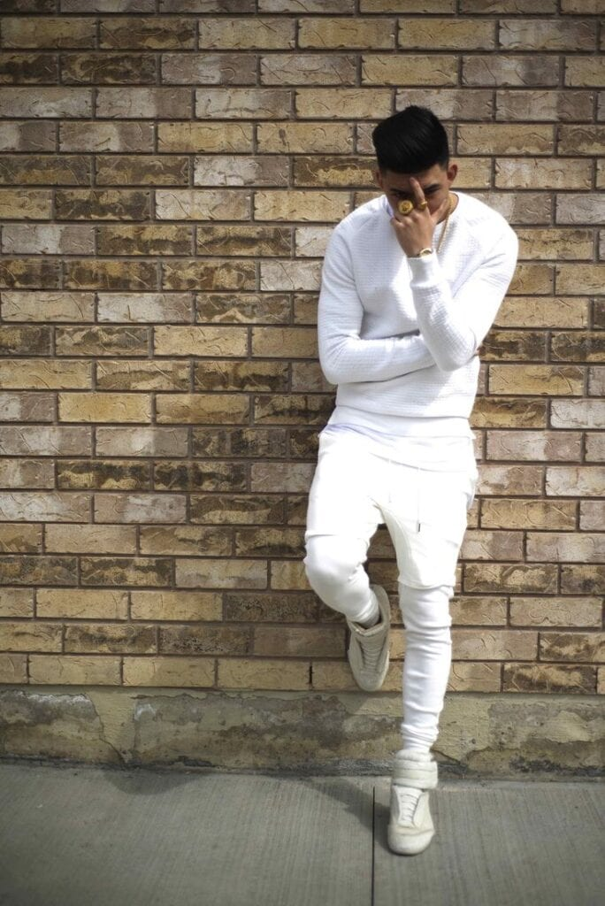 794e9d9707af4f7059b856342813e4e3-684x1024 15 Ideal White Party Outfit Ideas for Men for A Handsome Look