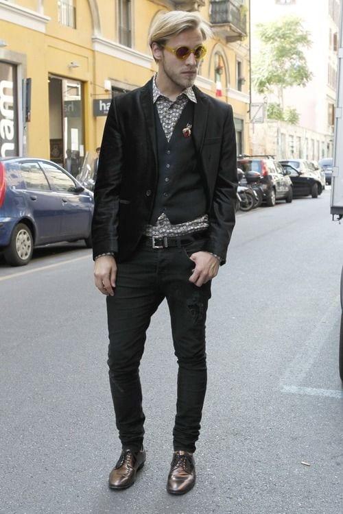 100457436fc6b257cfeaa591e764e1fd Men Waistcoat Styles -18 Ways to Wear Waistcoat for Classy Look