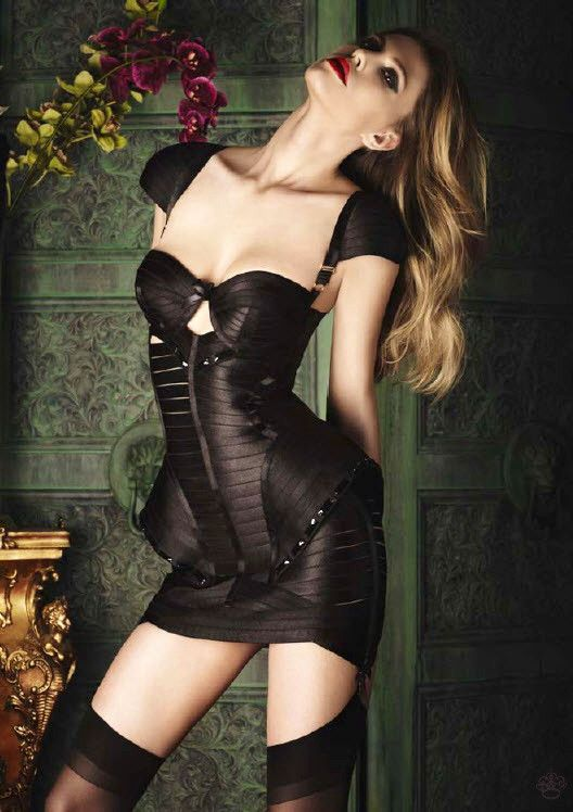 bord2 Top 5 Most Expensive Lingerie Brands with Price Details