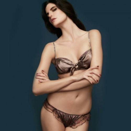 guia-500x500 Top 5 Most Expensive Lingerie Brands with Price Details