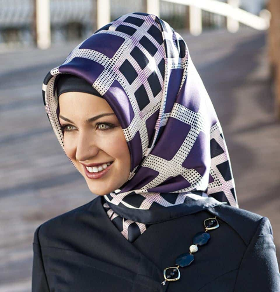 151 20 Best Hijab Styles for Short Height Girls to Look Tall