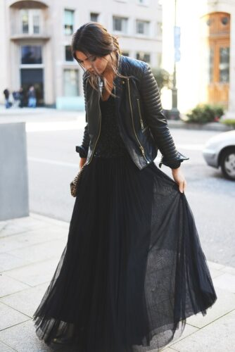 15942933408_291d5a04c5_o-334x500 Women All Black Outfits - 20 Chic Ways to Wear All Black