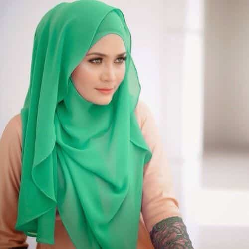 20 Best Hijab Styles For Short Height Girls To Look Tall
