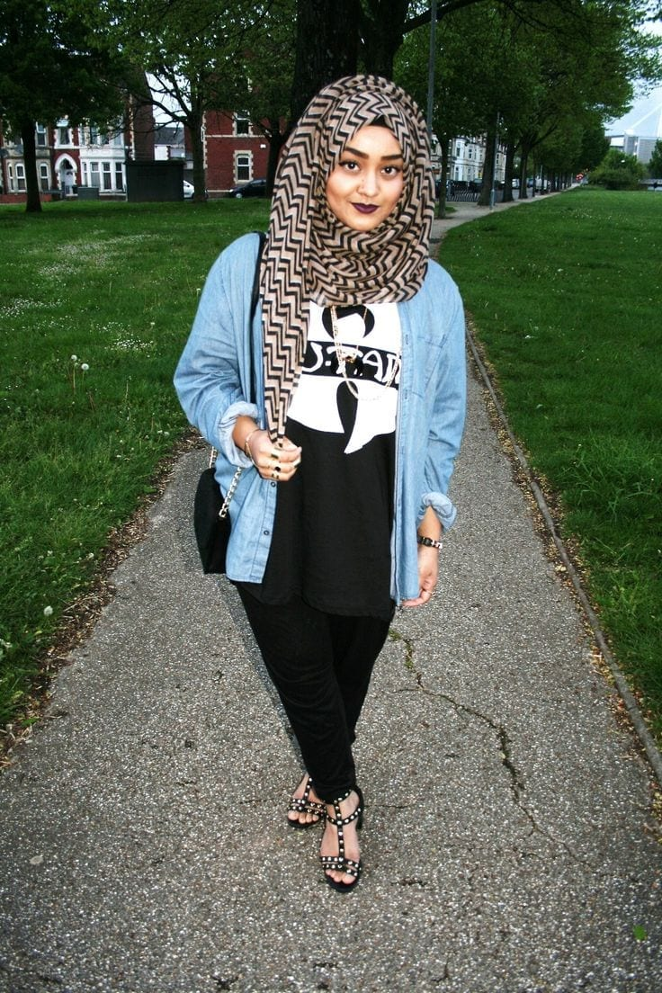 530ee037cc9beeaefe8316beb7a03cca 20 Best Hijab Styles for Short Height Girls to Look Tall