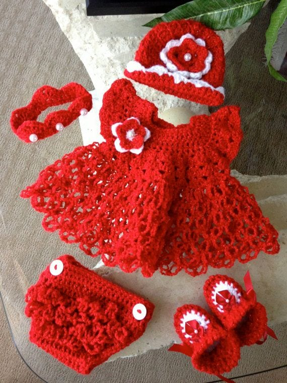 Free Crochet Pattern For Christmas Dress : Crochet Outfits for Babies-20 Newborn Crochet Outfits Patterns