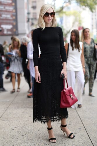 NYFW-Street-Style-Day-5-333x500 Women All Black Outfits - 20 Chic Ways to Wear All Black