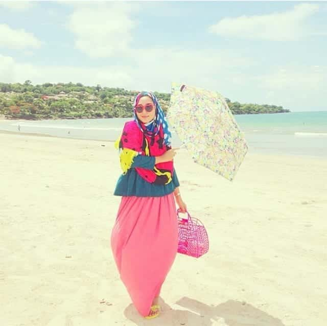blogger-image-10935513 Beach Hijab Outfits–34 Modest Beach Dresses for Muslim Girls