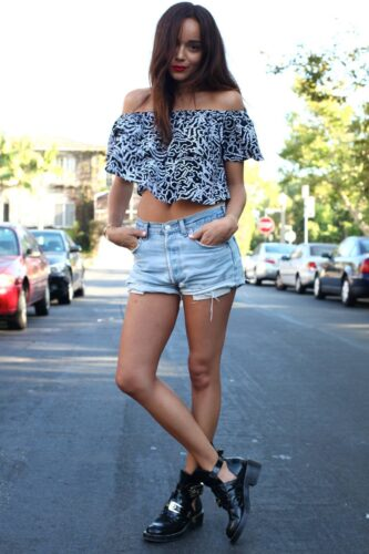 boyfriend-denim-shorts-looks-5-333x500 Boyfriend Shorts Outfits-16 Ways to Wear Boyfriend Shorts