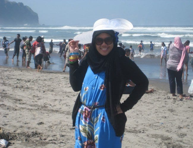 img_2569resize Beach Hijab Outfits–34 Modest Beach Dresses for Muslim Girls