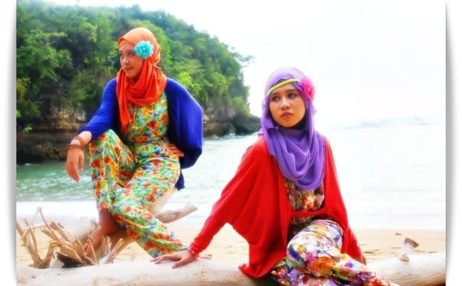 nyeliyep-7 Beach Hijab Outfits–34 Modest Beach Dresses for Muslim Girls