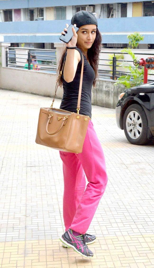 shradha 19 Indian Actresses Street Style Fashion Ideas this Season