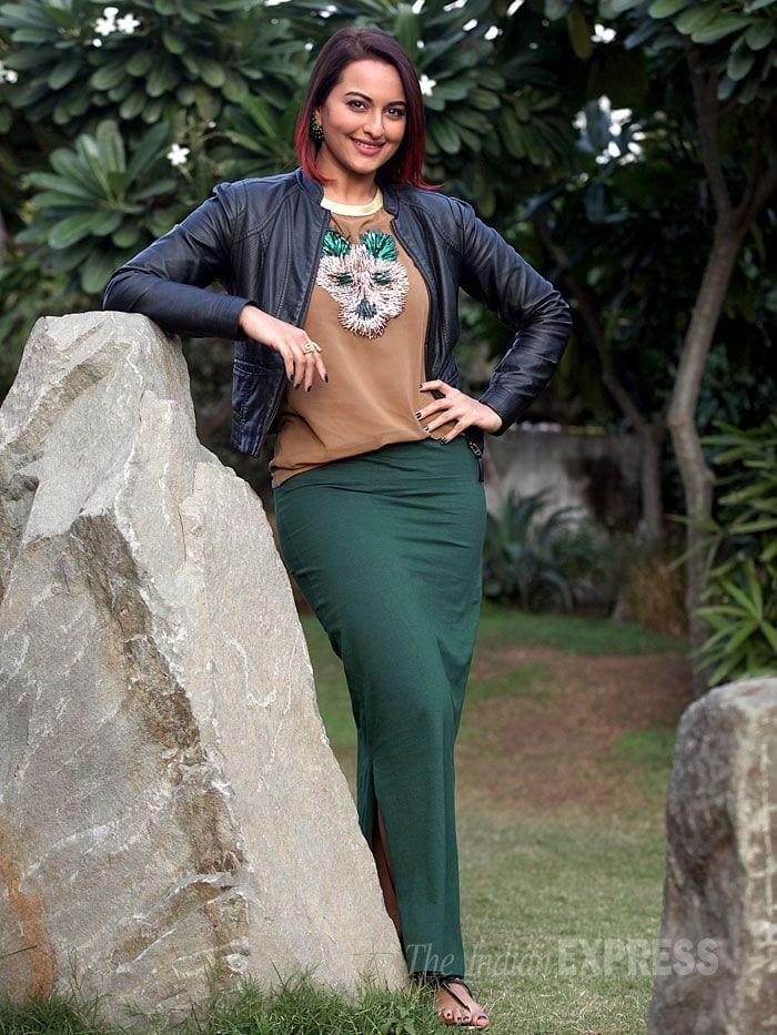 sonakshi 19 Indian Actresses Street Style Fashion Ideas this Season