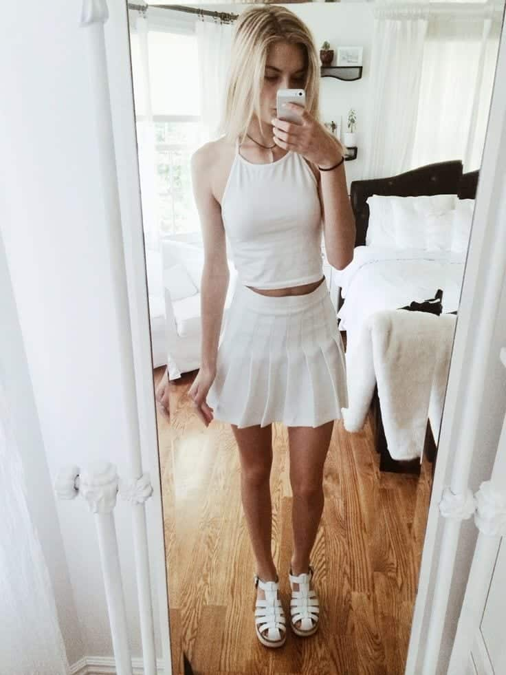 white-on-white Lulu Skirt Outfits-22 Ways How to Wear Lulu Skirts Fashionably