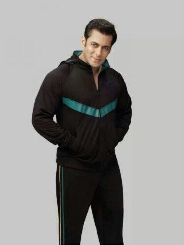17-375x500 Salman Khan's Dressing Styles – 20 Best Looks of Salman Khan