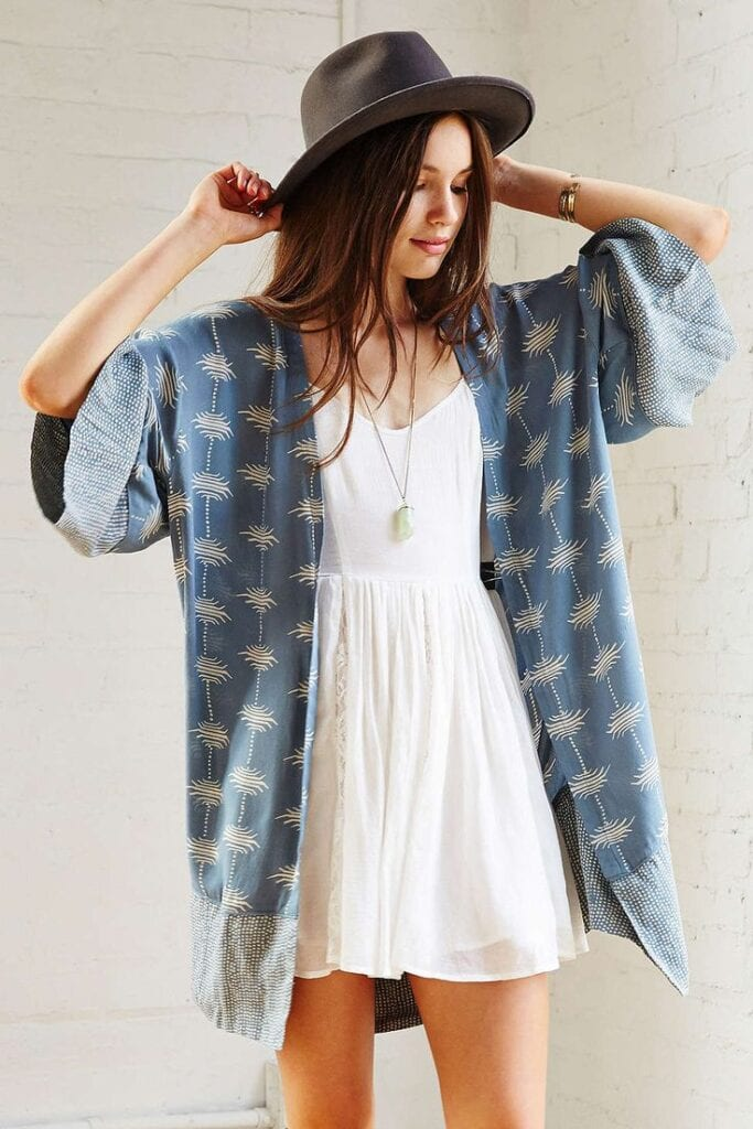 41-683x1024 Kimono Outfit Ideas- 20 Ways To Dress Up With Kimono Outfits