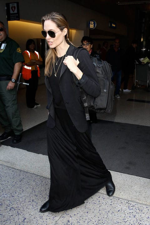 54a912727f6fd_-_elle-10-angelina-jolie-black-dress-la 25 Celebrities All Black outfits Styles for Fall to Copy
