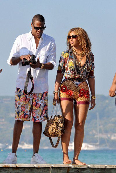 Beyonce-s-short-shorts-QwQnDFReVVcl What to Wear in Ibiza? 20 Ibiza Outfit Ideas - Travel Style