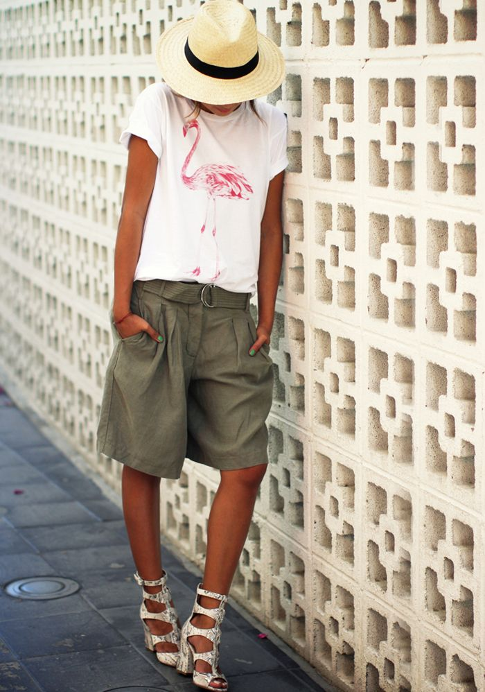 Cute-Bermuda-Shorts-Outfits-For-Girls-4 How to Wear Bermuda Shorts for Girls - 20 Outfits Ideas
