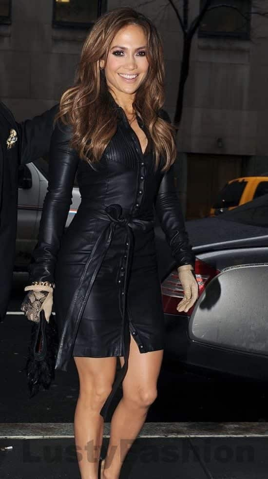 f52d43901c3a968290b0d264d306f838 25 Celebrities All Black outfits Styles for Fall to Copy