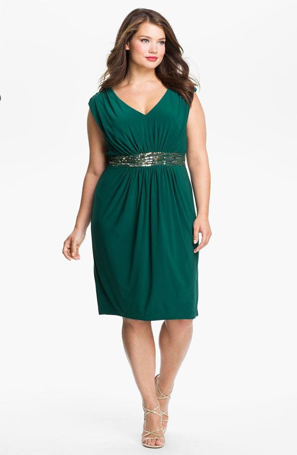 green-plus-size-bridesmaid-dress Apple Shape Body Outfits-19 Fashion Tips for Apple Figure