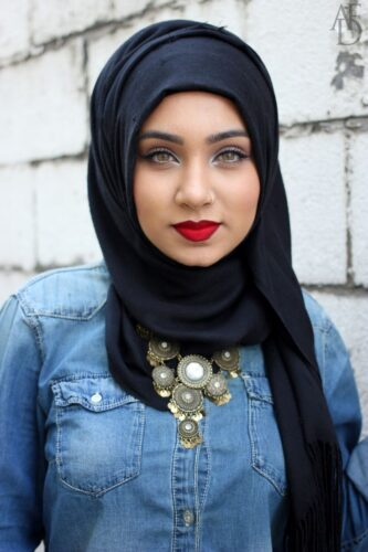 Simple Black Scarf hijab fashion style