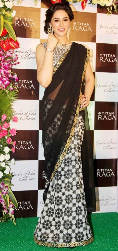 d94b4e3c89a6a471ceaa194fb8436653-482x1024 Indian Ethnic Wear Sarees - In Modern Day fashion