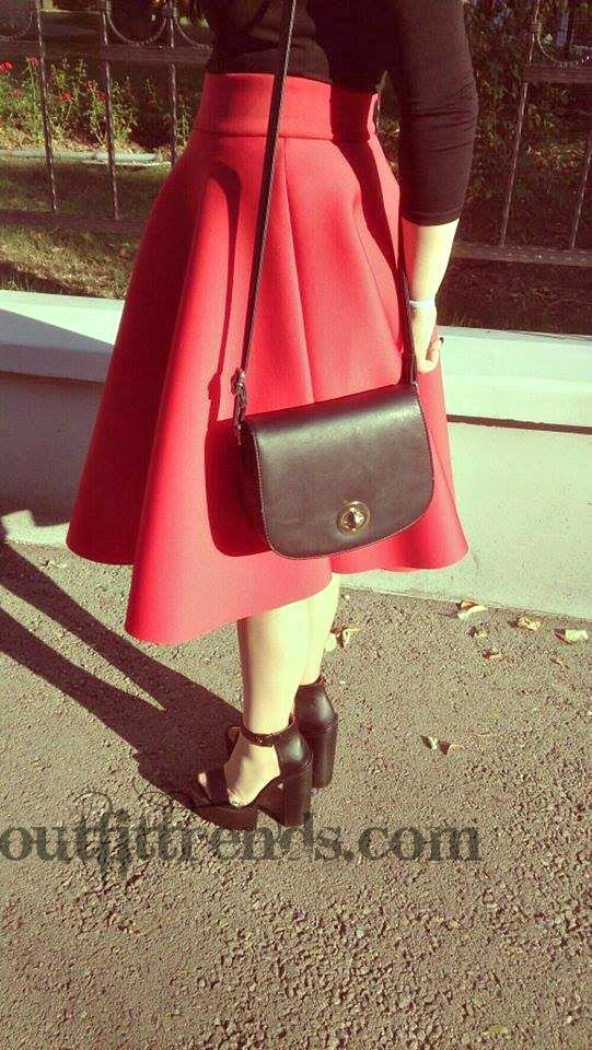 what to wear with red skirt (3)