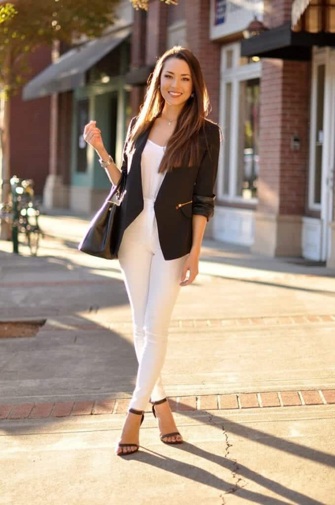 Fashionable ways to wear white jeans (21)