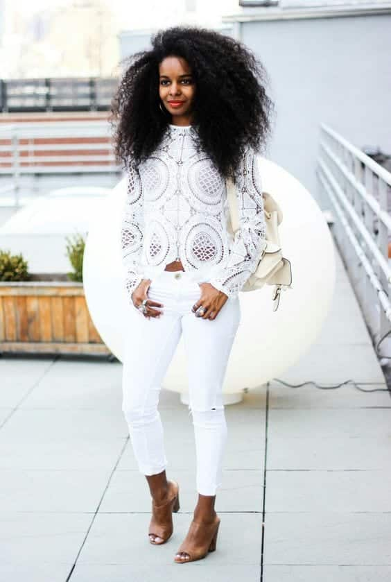 6-4 25 Cute Outfits for Curly Hair Women for Glamorous Look