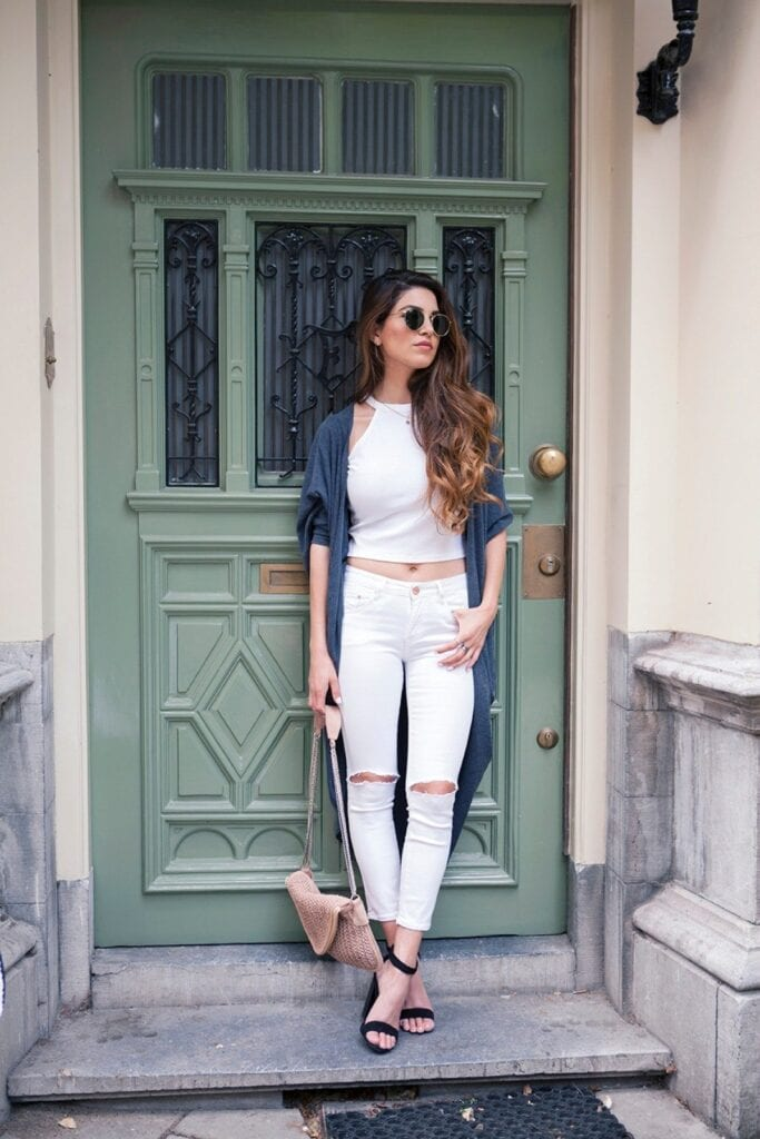 Fashionable ways to wear white jeans (17)