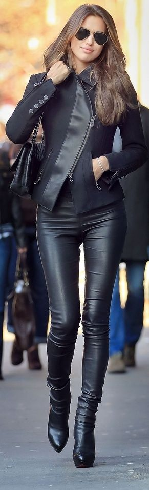 Black-jacket-with-black-leather-boots-1 Outfits with Leather Jacket-19 Ways to Style Leather Jacket