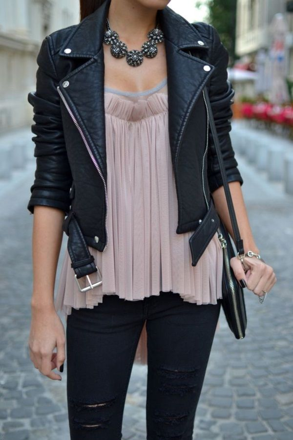 Black-leather-jacket-with-vintage-necklace-1 Outfits with Leather Jacket-19 Ways to Style Leather Jacket
