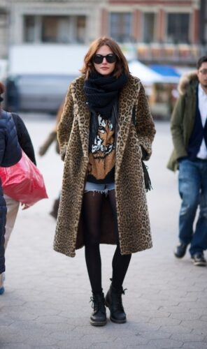STREET-STYLE-LEOPARD-COATS-1-296x500 Outfits with Leopard coats-20 Ideas to Style Leopard Print Coats