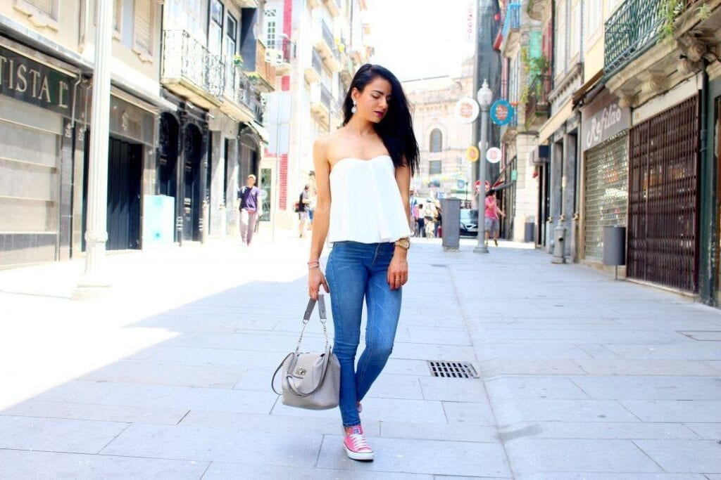 jeans-white-top-blogger-converse-oporto-rua-das-flores-1050x700-1024x683 Outfits with Jeans-50 Best Looks with Jeans You can Have Now