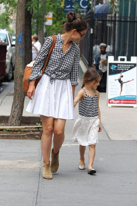 rrr 100 Cutest Matching Mother Daughter Outfits on Internet So Far