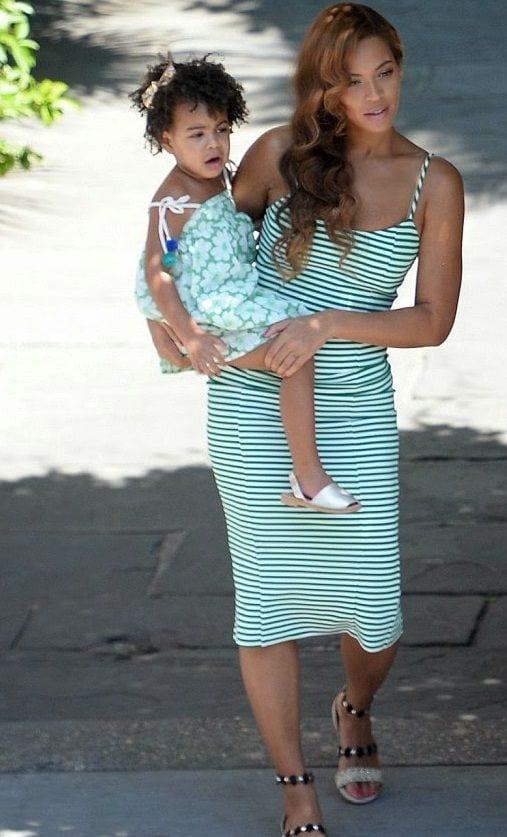 rrrrrr 100 Cutest Matching Mother Daughter Outfits on Internet So Far