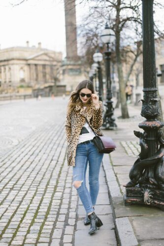 street-style-ripped-jeans-630x945-333x500 Outfits with Leopard coats-20 Ideas to Style Leopard Print Coats
