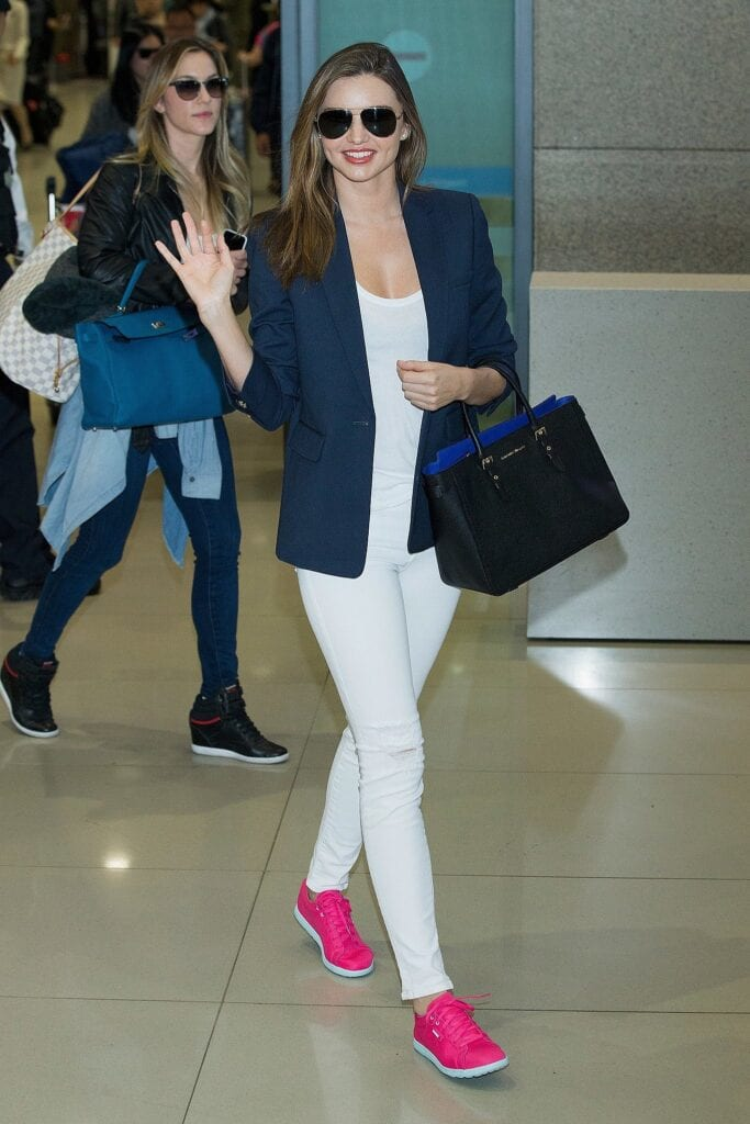 travel-Outfit-8-683x1024 Women's Outfits for Airport-15 Ways to Travel Like Celebrity